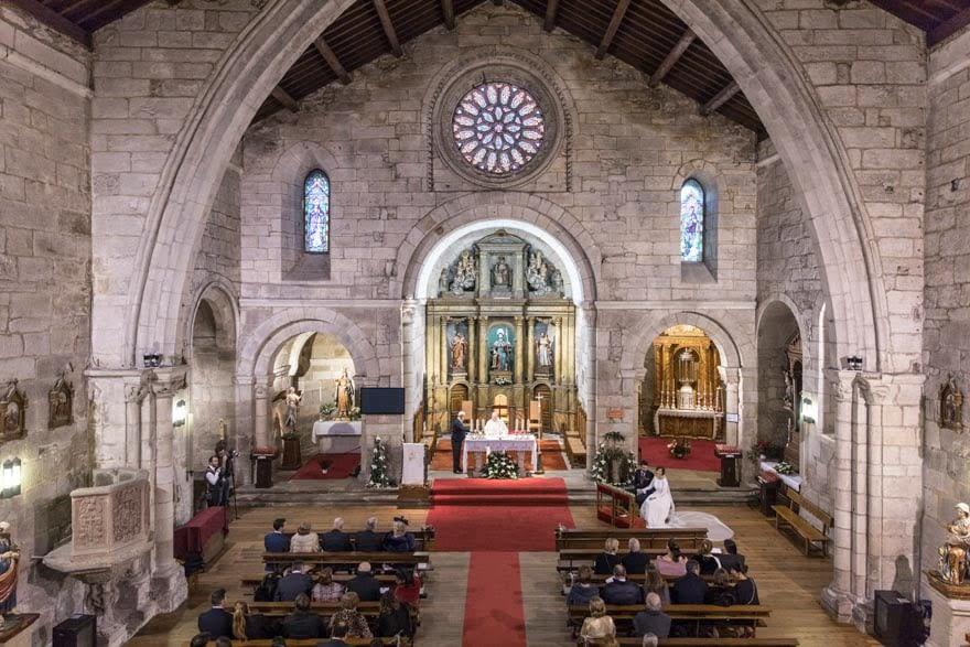 Ceremonia de boda en la Iglesia de Santiago en A Coruña