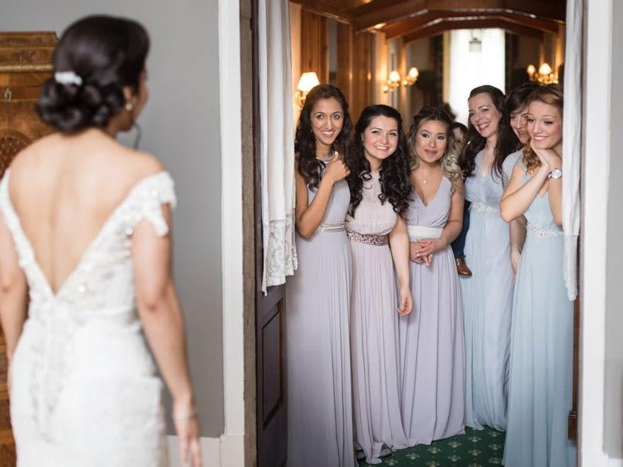 Fotógrafos de boda en el Pazo do Tambre Vestido de Justin Alexander