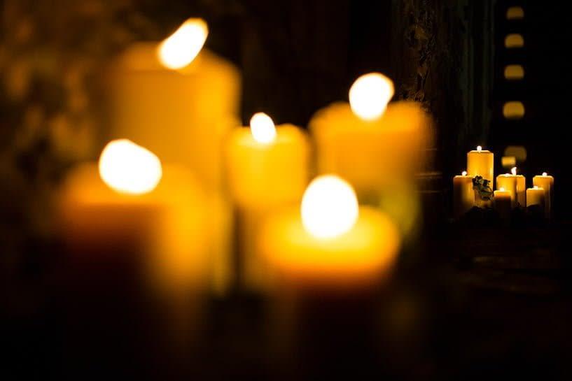 Decoración nocturna con velas por LoveLovely en una boda el Pazo de Santa Cruz de Mondoi