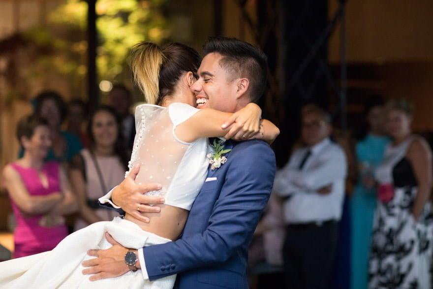 Baile de novios en la Finca Montesqueiro de Oleiros el día de su boda