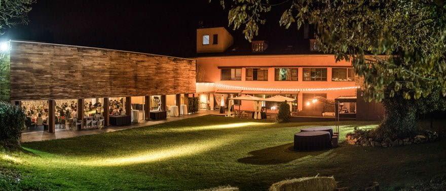 Hotel rural y restaurante De Floriana de Molinaseca Vista nocturna durante una boda