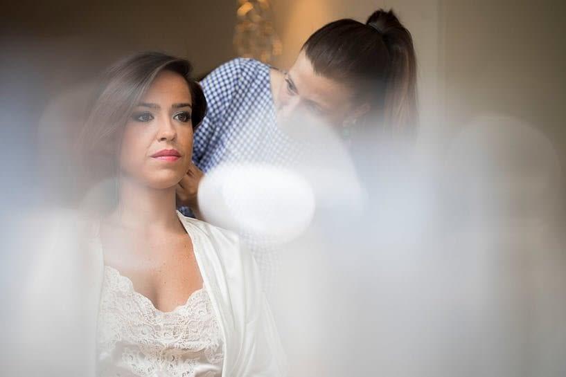 The Loft maquillando a la novia el día de su boda