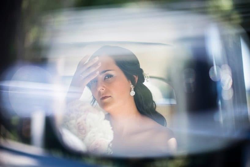 Novia reflejada en retrovisor de Citröen 11 de Ya Car