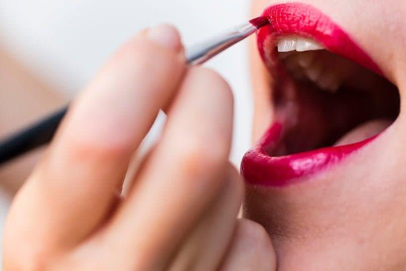 Detalle de maquillaje de labios  por Diana Fraga makeup de A Coruña