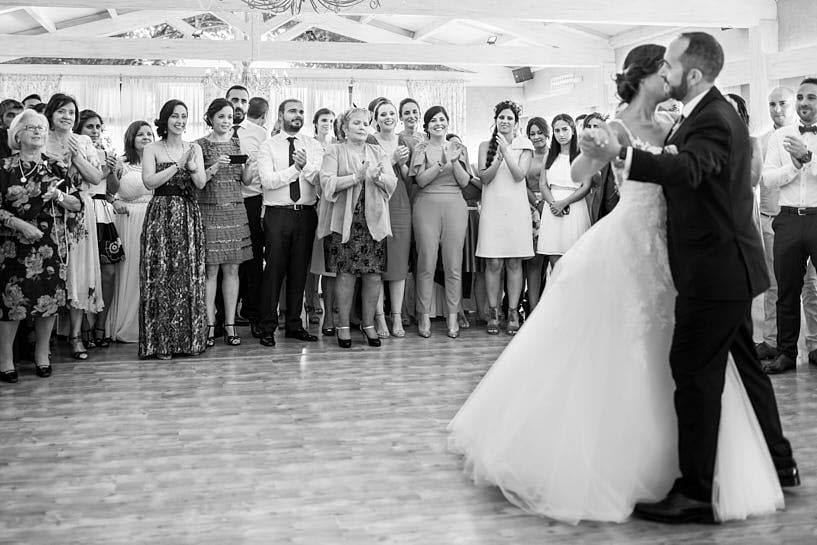 apertura del baile por parte de los novios en el Restaurante el Pantano