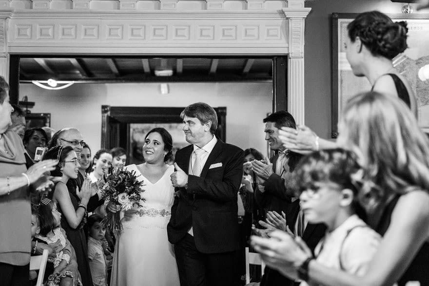 entrada novia en la ceremonia civil en el salón del Pazo de Vilaboa