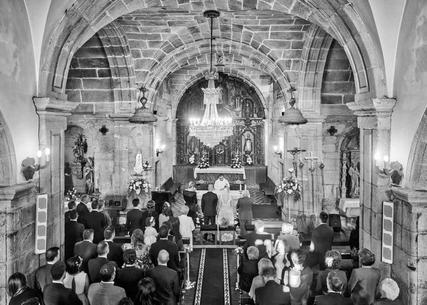ceremonia religiosa de boda en la iglesia de San Juan de Calo